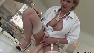 Cheating british mature lass sonia shows off her giant tits