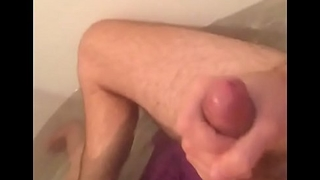 No one does it like me, jerk off in bath with cum